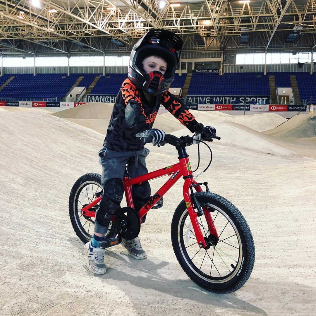 Frog Ambassador Reuben at the Manchester indoor pump track taken by instagram @stallyburger